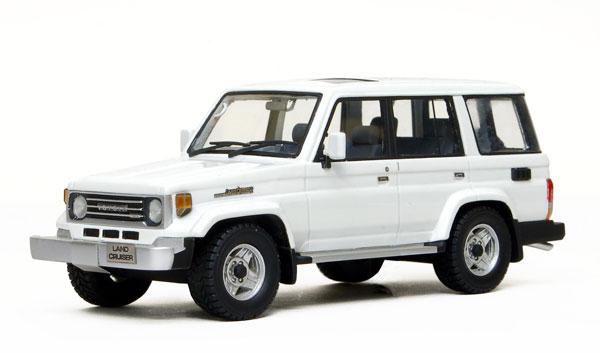 Promo - LC70 - Van White - 01