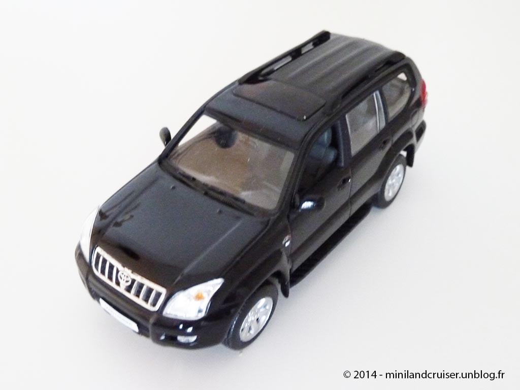 LC120 - Minichamps - 01
